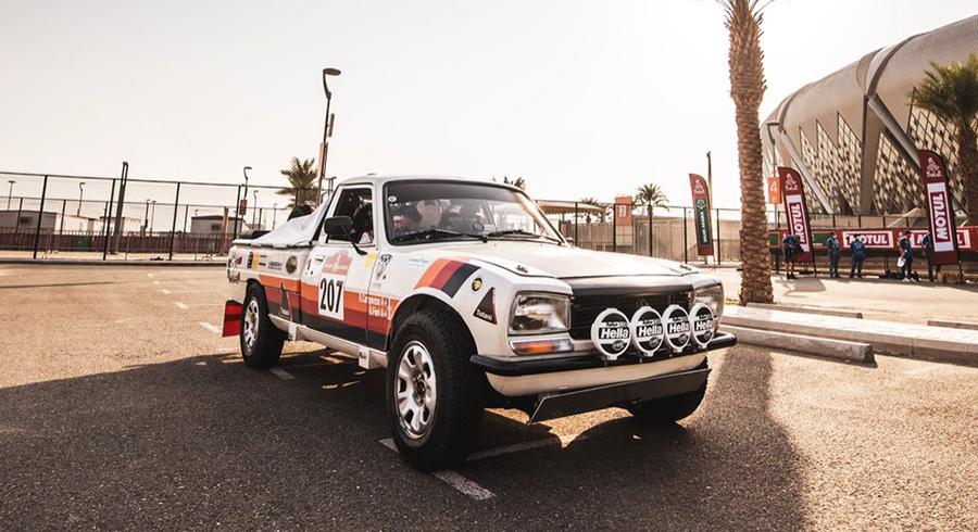 Un Peugeot 504 pick-up finalizó el Dakar 2021