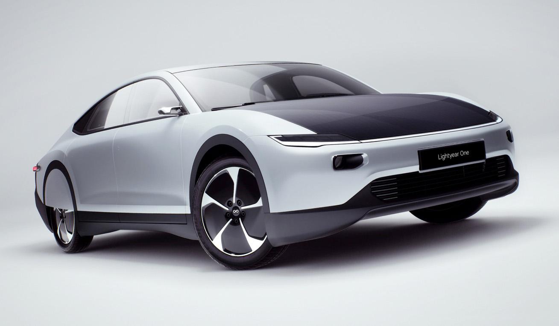 Bridgestone y Lightyear unen sus fuerzas para producir el primer vehículo eléctrico solar con una autonomía de 725 km