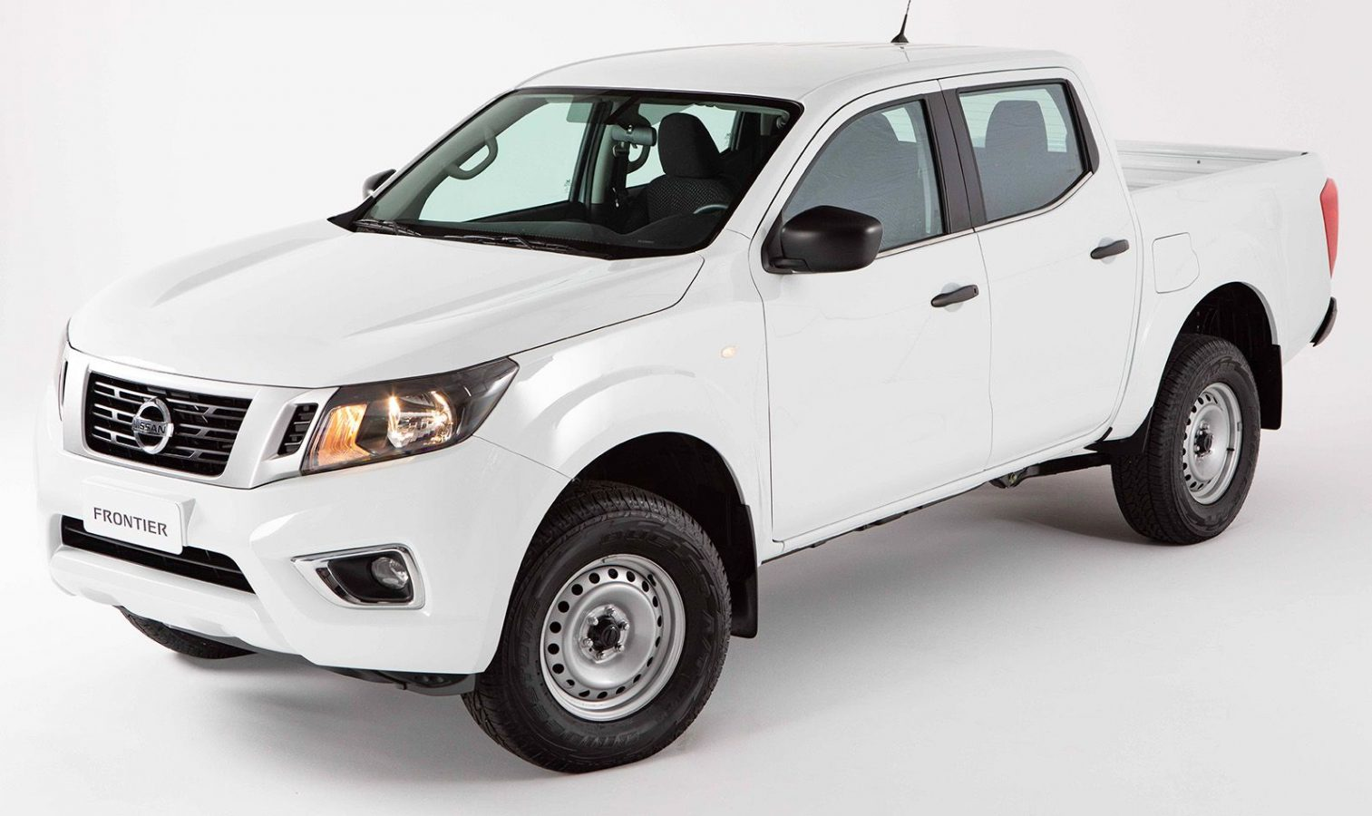 Nissan entregó 46 nuevas Frontier a la Municipalidad de Córdoba