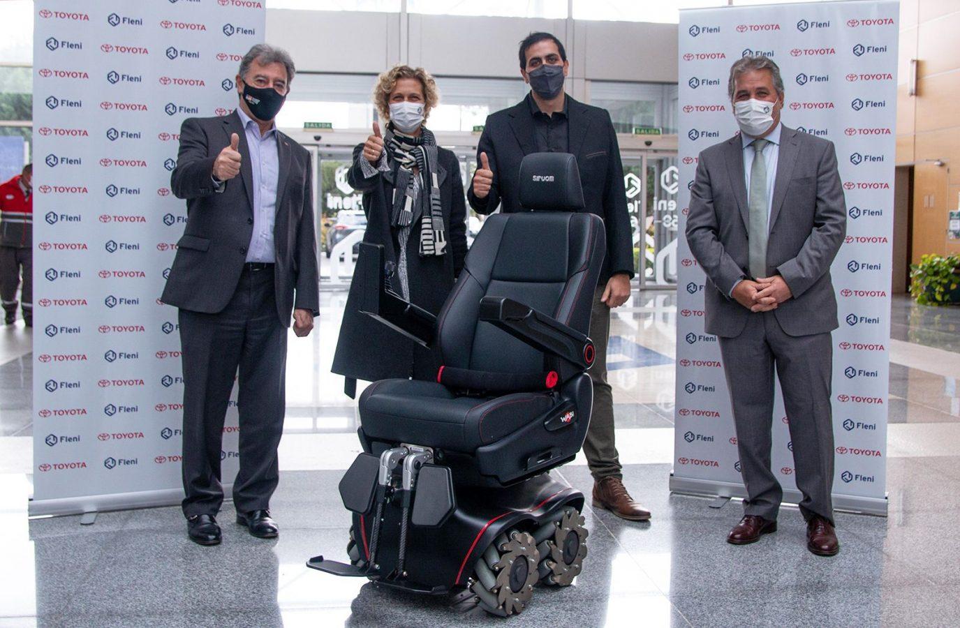 Toyota hizo entrega de una silla de ruedas SIRUOM a Fleni
