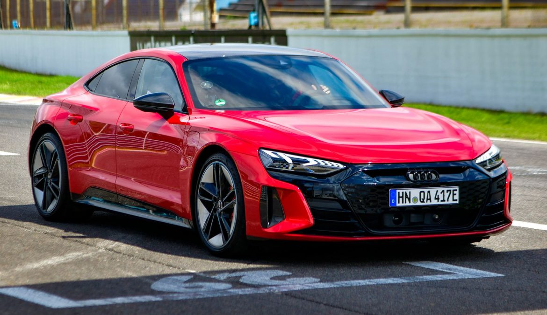 Audi anticipó la llegada del nuevo RS e-tron GT en el autódromo