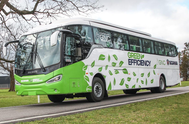 Scania presentó su nuevo bus interurbano con gas natural