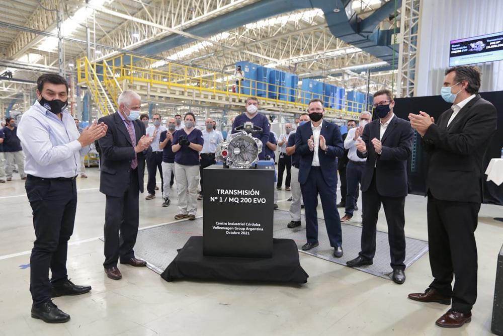 Volkswagen anunció que comenzó a producir la caja MQ 200 EVO en Córdoba